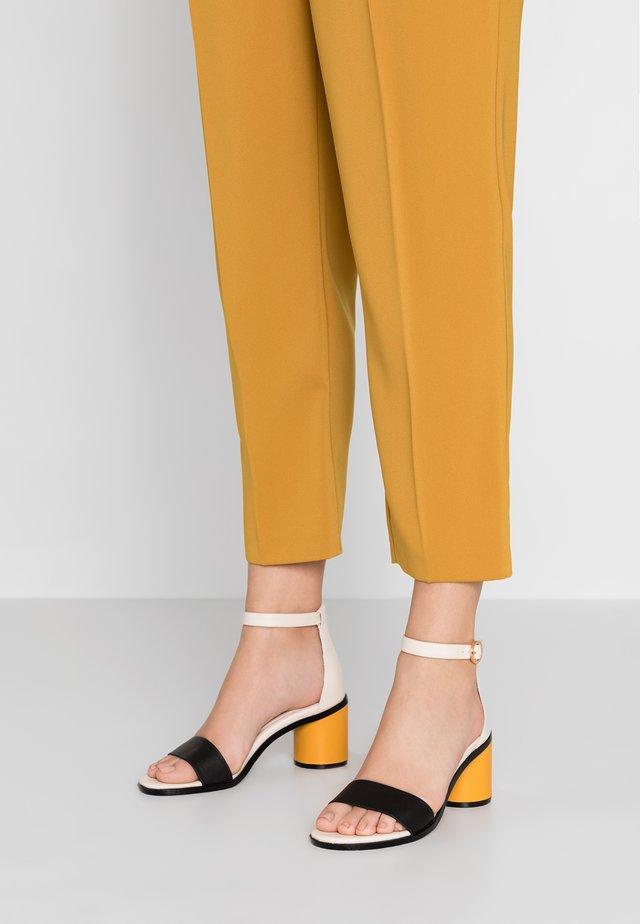 Sandaler - sunflower
