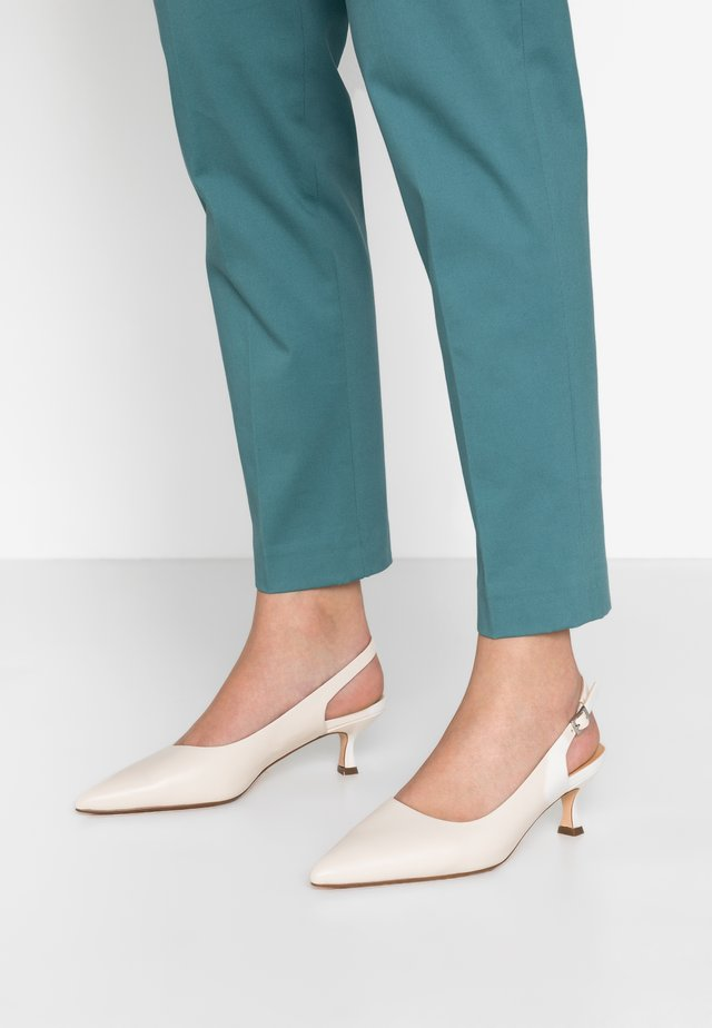 TO THE POINT - Pumps - cream