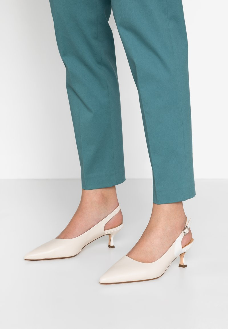 ANNY NORD - TO THE POINT - Classic heels - cream