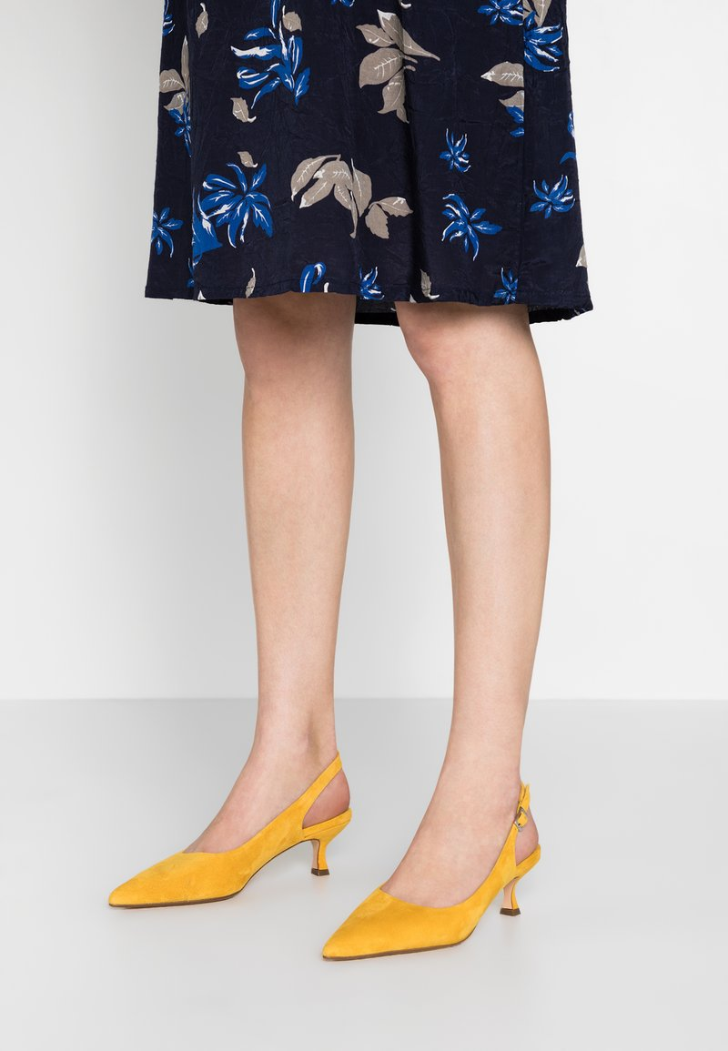ANNY NORD - TO THE POINT - Classic heels - saffron yellow
