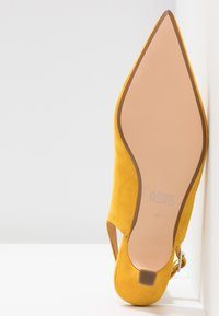 ANNY NORD - TO THE POINT - Klassiske pumps - saffron yellow - 6