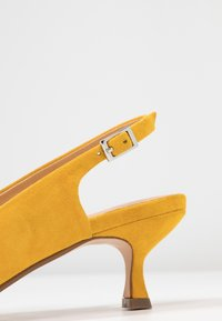 ANNY NORD - TO THE POINT - Klassiske pumps - saffron yellow - 2