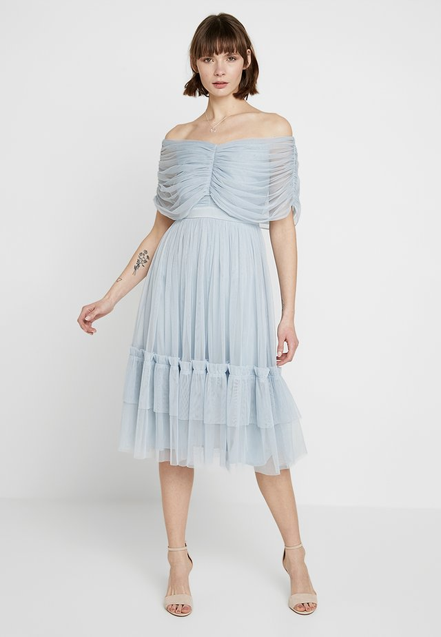 ANAYA WITH LOVE GATHERED BARDOT MIDI DRESS - Sukienka koktajlowa - baby blue