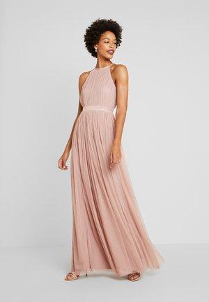 DELICATE HALTER NECK WAISTBAND DRESS - Společenské šaty - pearl blush