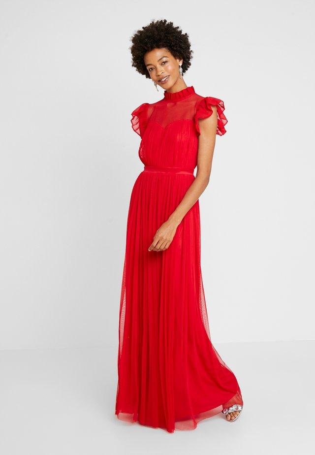 HIGH NECK GATHERED DRESS WITH RUFFLE DETAILS - Společenské šaty - red