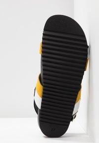 Apple of Eden - PERLA - Sandals - white/yellow - 6