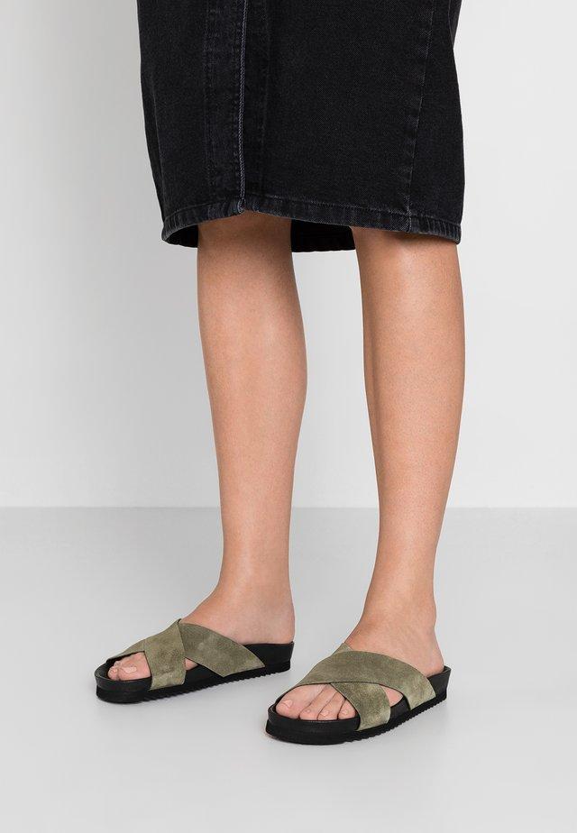 PAOLA - Pantofle - khaki