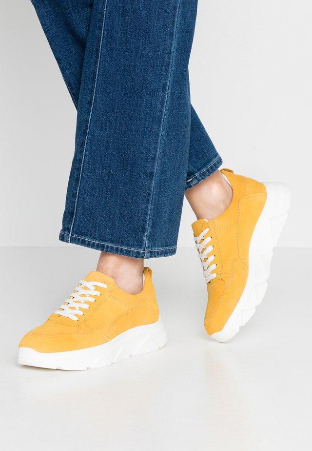 DIVA - Sneakers basse - yellow