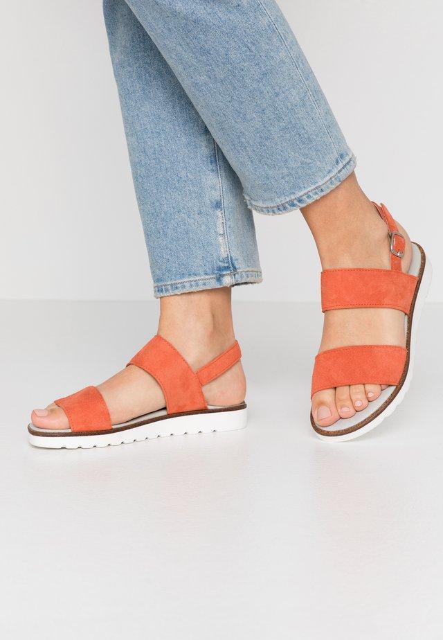 VIVIAN - Sandaalit nilkkaremmillä - orange