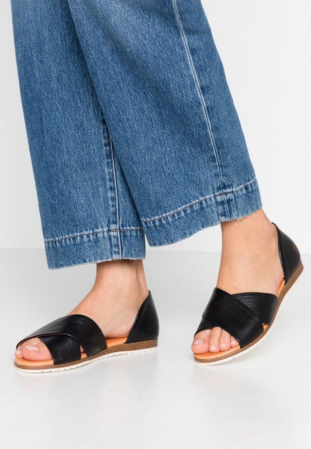 CHIUSI - Ballerina peep-toe - black