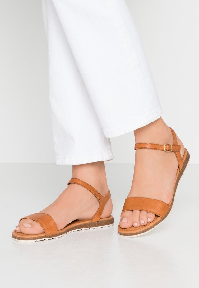 LARA - Sandals - cognac