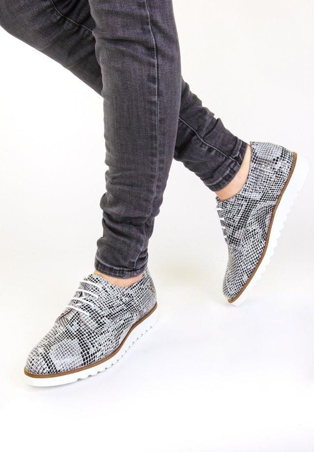 Sportieve veterschoenen - light grey