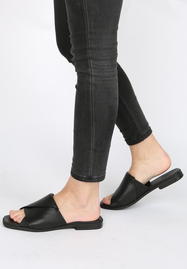 SLIPPER ADRIANE - Mules - black