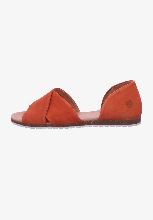 Sandals - orangekombi