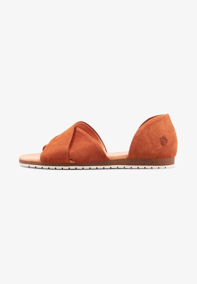 CHIUSI - Sandals - mittelbraun