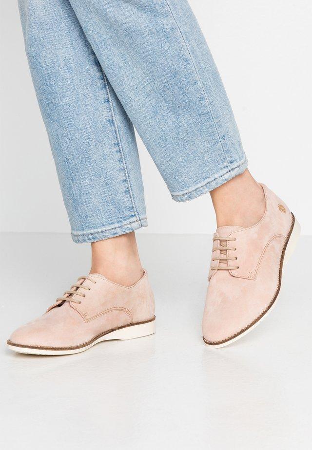 ROSE - Sznurowane obuwie sportowe - nude