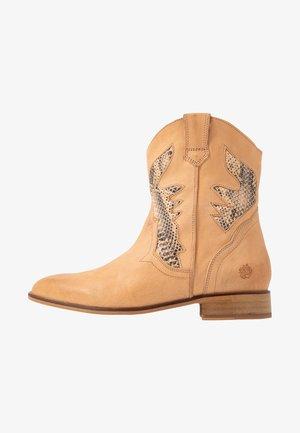 HEATHER - Cowboy/biker ankle boot - beige