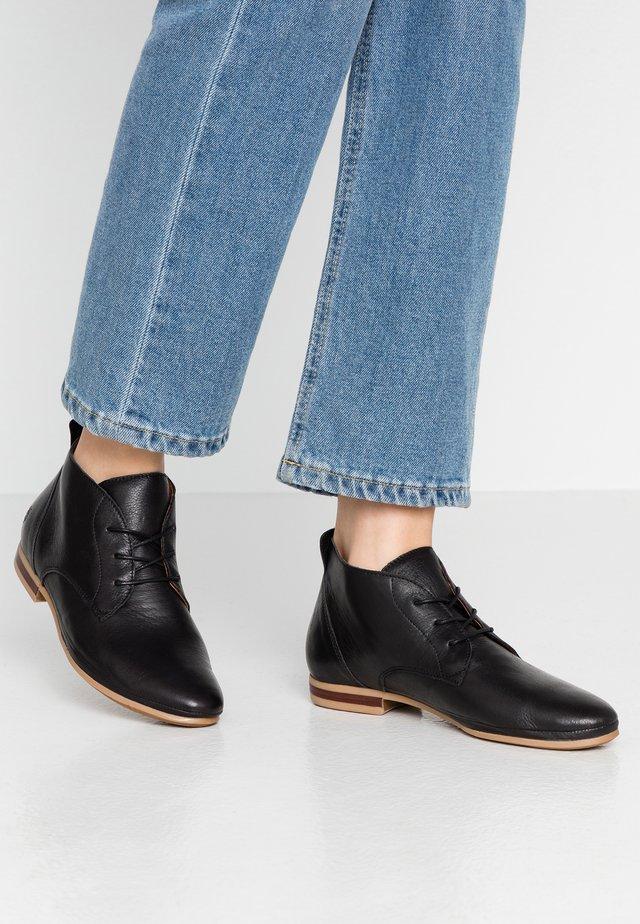 FRANKLIN - Volnočasové šněrovací boty - black