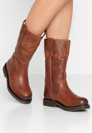 SUELI - Boots - brown