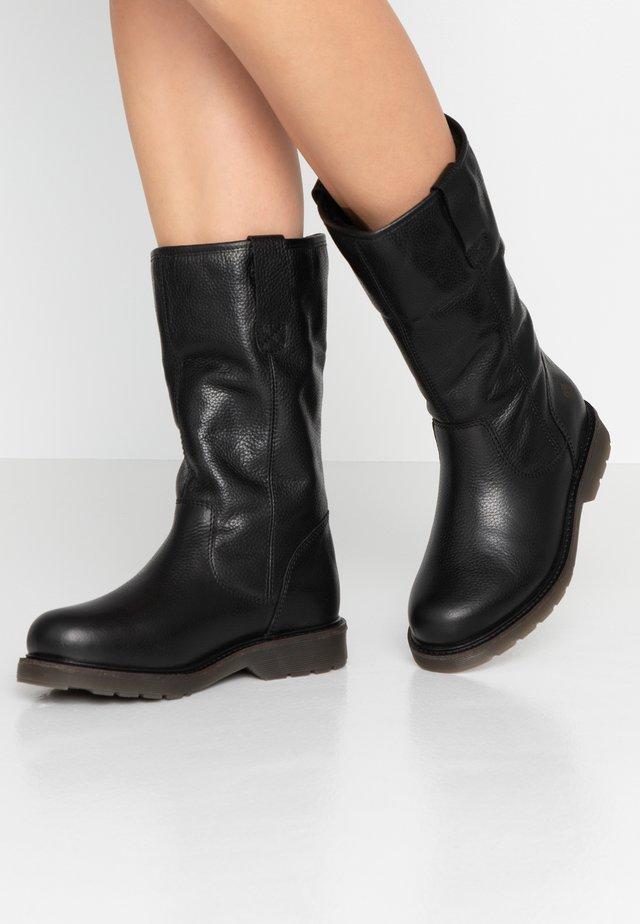 SUELI - Vysoká obuv - black