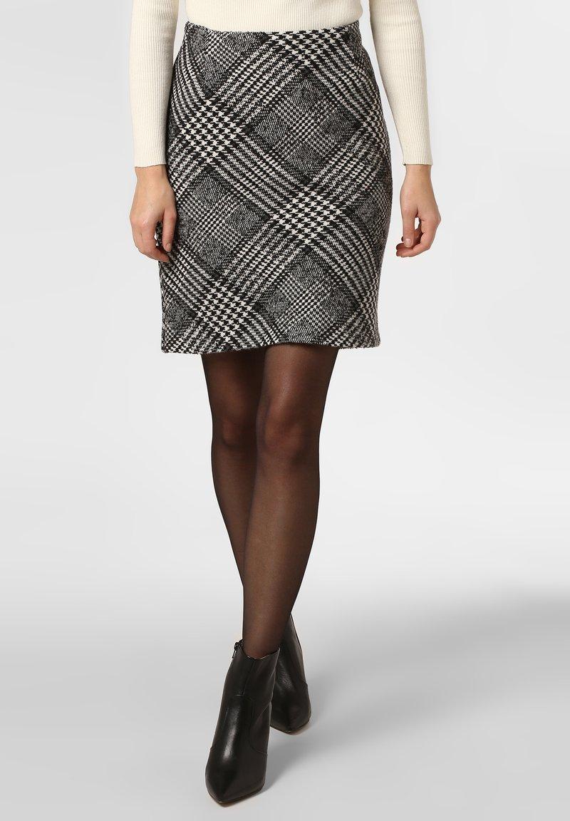 Apriori - A-line skirt - black/white