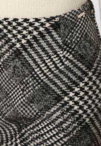 Apriori - A-line skirt - black/white - 2