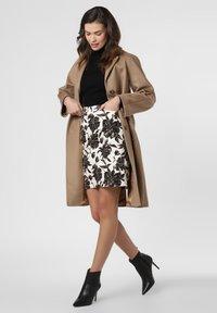 Apriori - Pencil skirt - ecru/black - 1