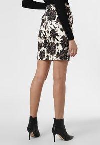 Apriori - Pencil skirt - ecru/black - 2