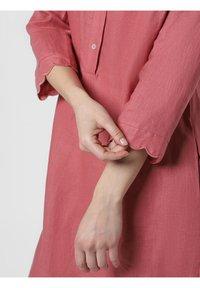 Apriori - Shirt dress - rosenholz - 2