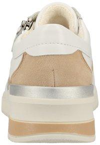 ara - Baskets basses - white/camel/orange - 3