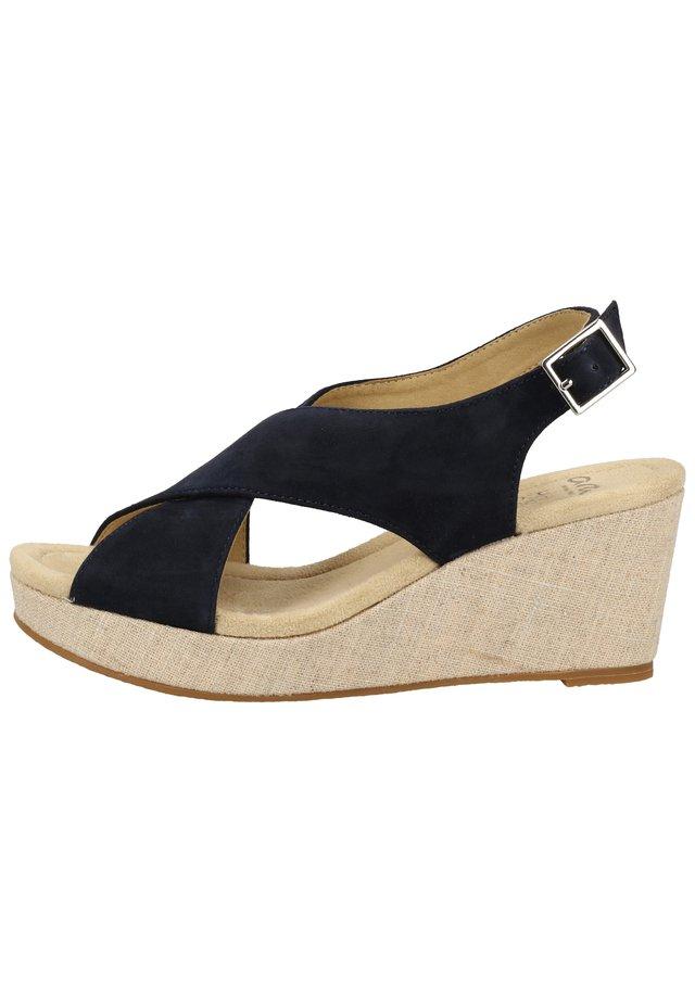 Sandalen met plateauzool - blau/natur-silber 75