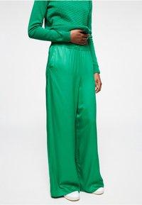 ARMEDANGELS - NAIMAA - Trousers - garden green - 0