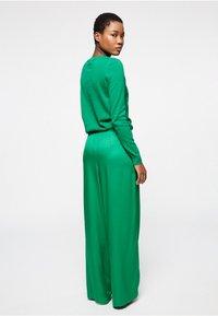 ARMEDANGELS - NAIMAA - Trousers - garden green - 2