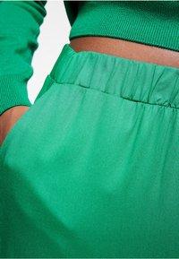 ARMEDANGELS - NAIMAA - Trousers - garden green - 3