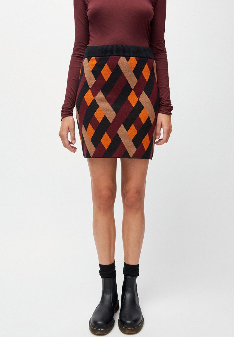 ARMEDANGELS - BEKAA RHOMBS - Pencil skirt - black port wine