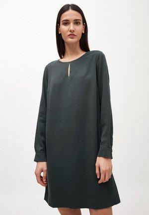 VALERIAA - Day dress - juniper green