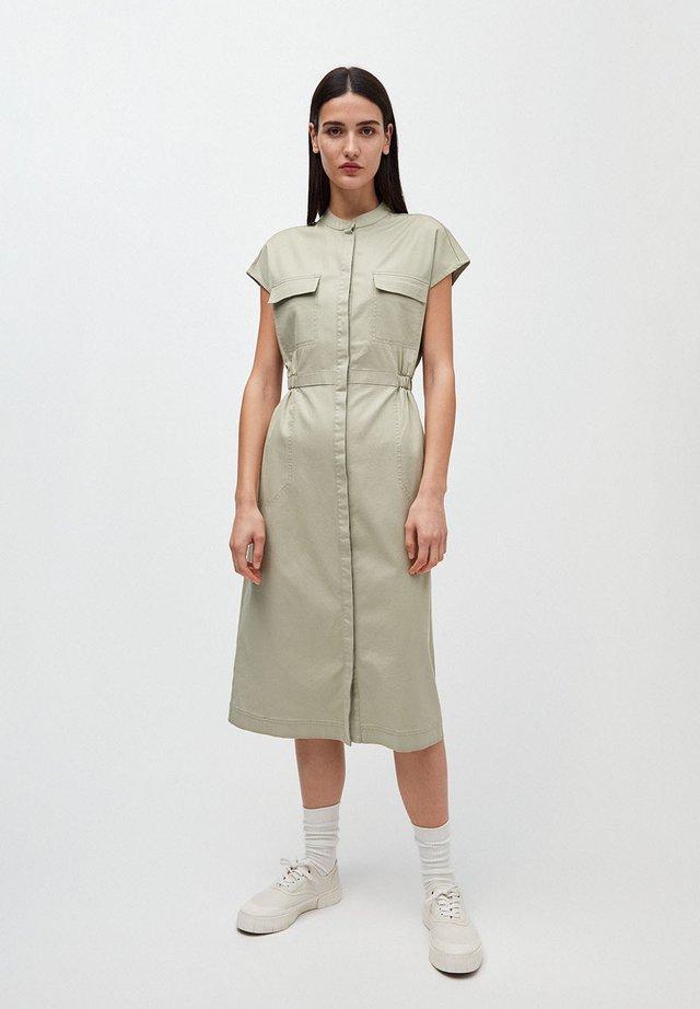 KJAALVOR - Shirt dress - pistachio