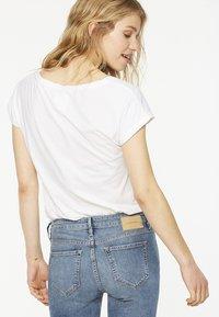 ARMEDANGELS - LAALE - Basic T-shirt - white - 2