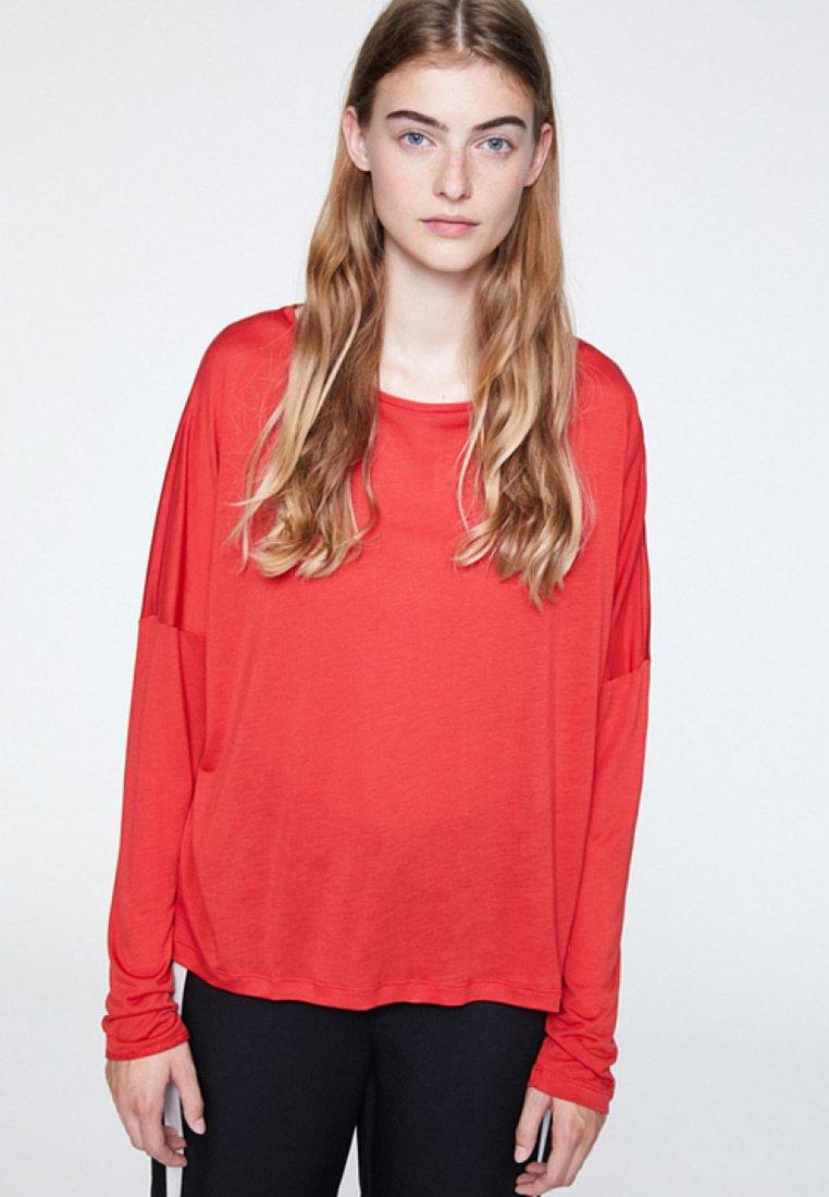 ARMEDANGELS - LONNAA - Langarmshirt - scarlet red