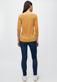 ARMEDANGELS - OLIVAA - Long sleeved top - caramel butter - 2
