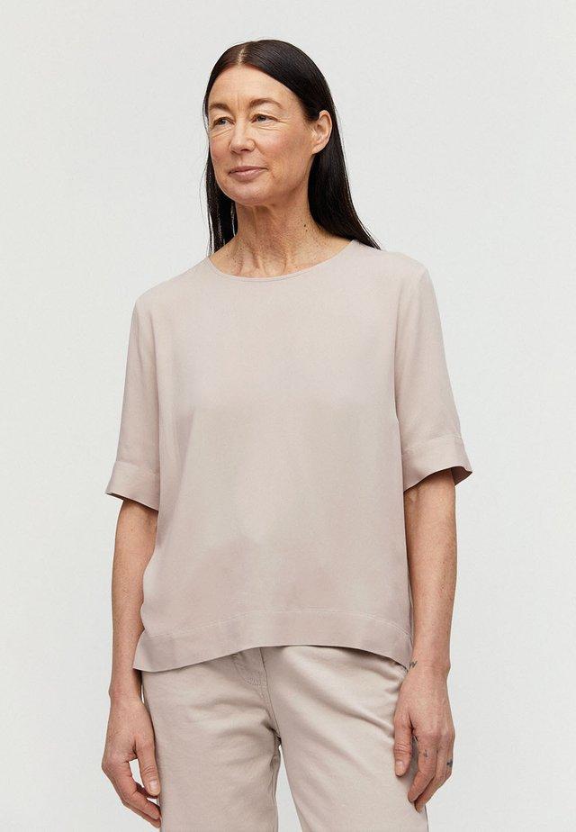 LORIAA - Bluse - brown