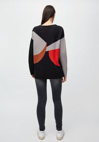 ARMEDANGELS - SMILLAA BRICKS & TILES - Jumper - black/maroon - 2