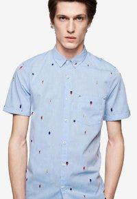 ARMEDANGELS - JAAKOV GLACE - Shirt - blue - 2