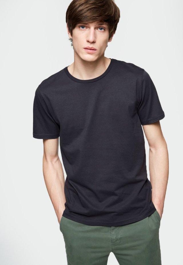 JAAMES - Basic T-shirt - acid black