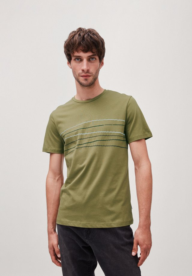 JAAMES CROOKED LINES - T-Shirt print - military green