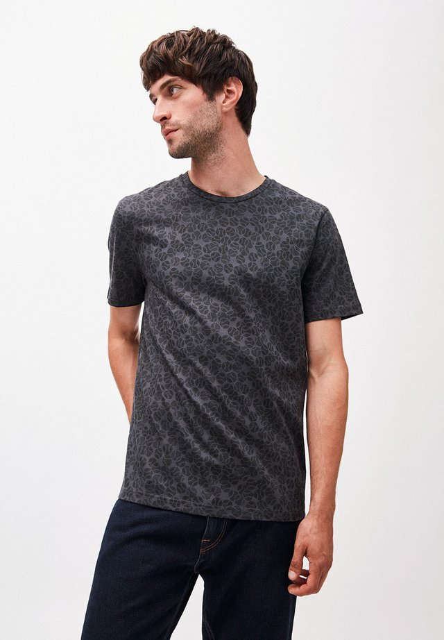 JAAMES TENNIS FIELD - Print T-shirt - acid black