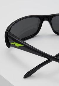 Arnette - Sluneční brýle - black - 4
