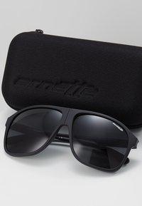 Arnette - Solbriller - matte black - 2
