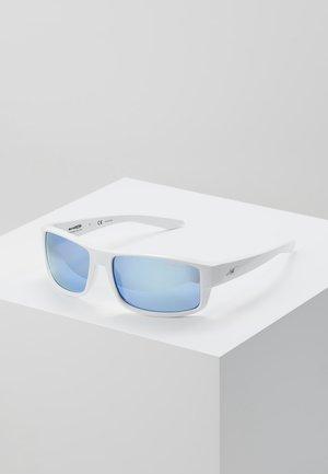 BOXCAR - Sluneční brýle - white