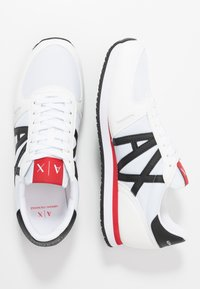 Armani Exchange - RETRO RUNNER - Sneakers laag - white/black/red - 1